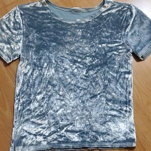 Tops - Head-turning silvery-blue crushed velvet tee